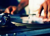 thumb_DJ