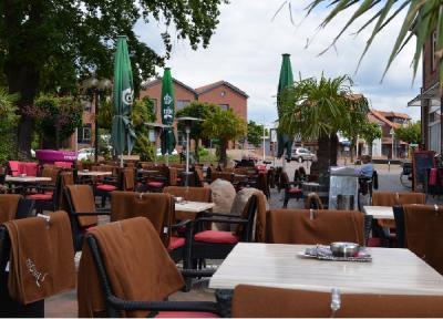 Cafe-Bar-Lounge
