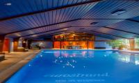 amenity-pool.jpg