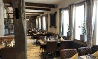 Restaurant11.jpeg